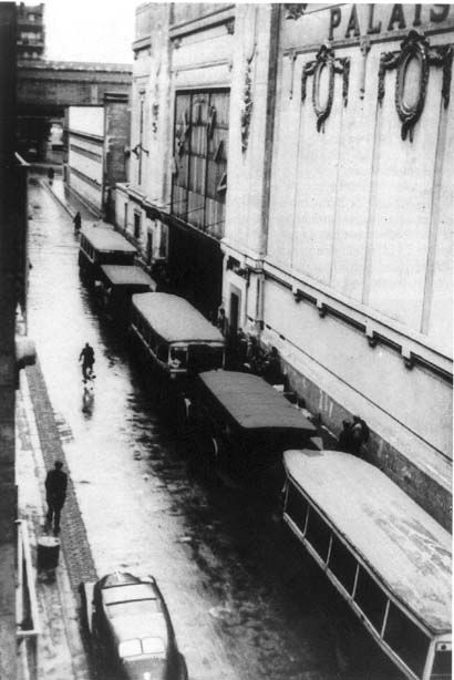 Buses used in Paris during the roundup of Vel'd'Hiv, 16 and 17 July 1942, stationed along the Velodrome d'Hiver. This is the only picture found in the press archive, and it was forbidden its publication in July 1942.:
