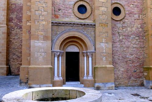 Saint Gaudens en 31: la collégiale romane