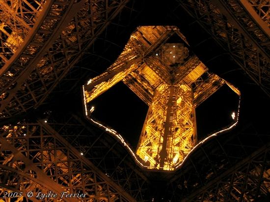 2005 Tour Eiffel Nuit