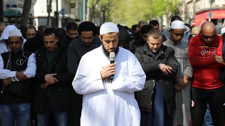 Des centaines de musulmans à nouveau dans la rue à Clichy après la fermeture de la mosquée