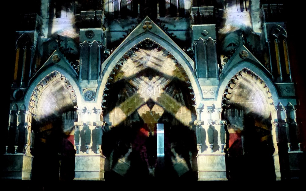 La cathédrale se dévoile