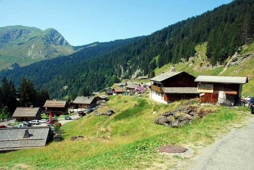 Le village des Lindarets
