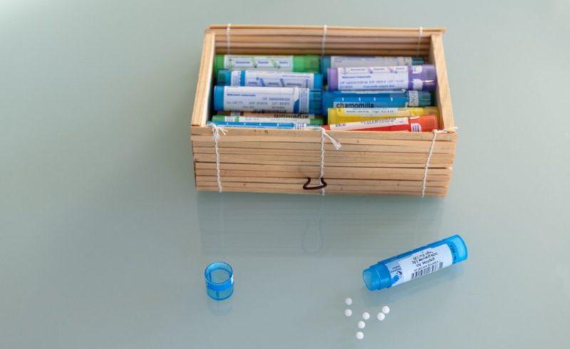homéopathie dans boîte 'nature'