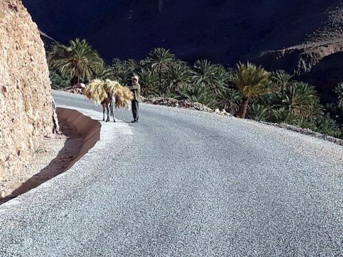 Sur la petite route d'Agouliz