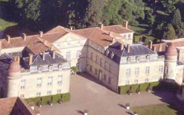 LE CHATEAU DE PARENTIGNAT Auvergne