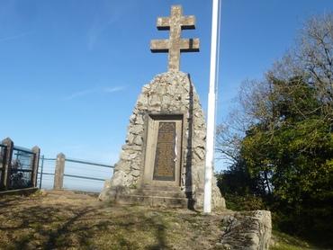 Belvédère du Rocher de Valmy et le Monument de la Résistance