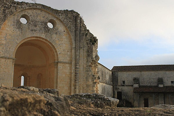 abbaye de trizay -10-