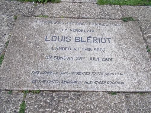 * Souvenir de Blériot à Douvres