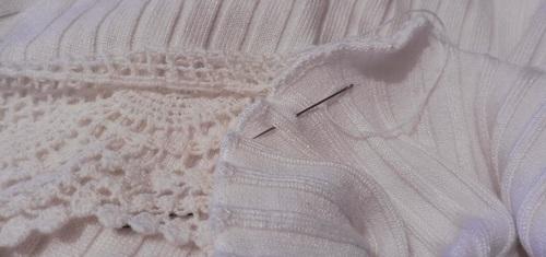 Customisation sur un haut en lainage