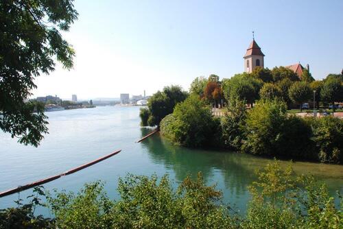 Jonction du canal de Huningue et du Rhin