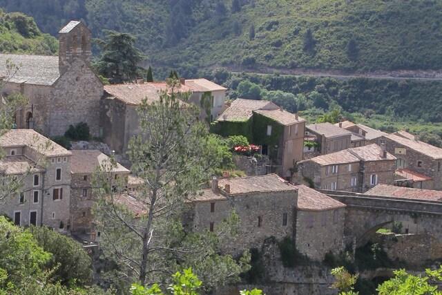 Le village cathare de Minerve dans l'Hérault