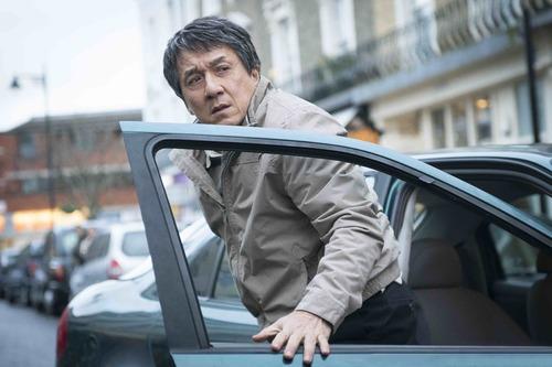 Jackie Chan frappe fort dans 2 extraits de THE FOREIGNER ! Le 8 novembre 2017 au cinéma.