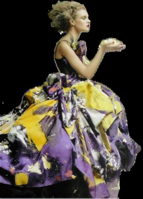 Femme vétue multicolore 5