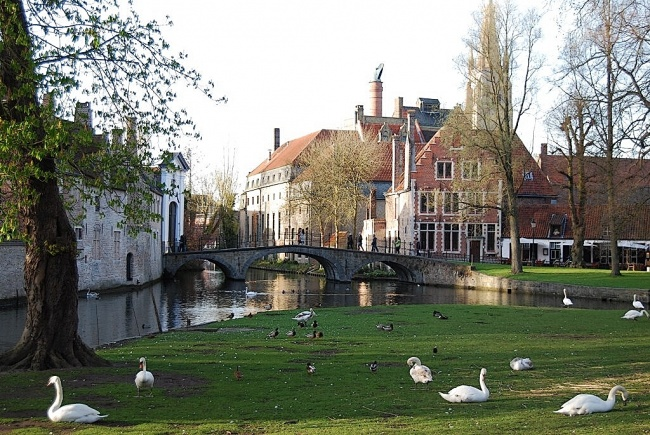 Bruges, entre tradition et modernisme