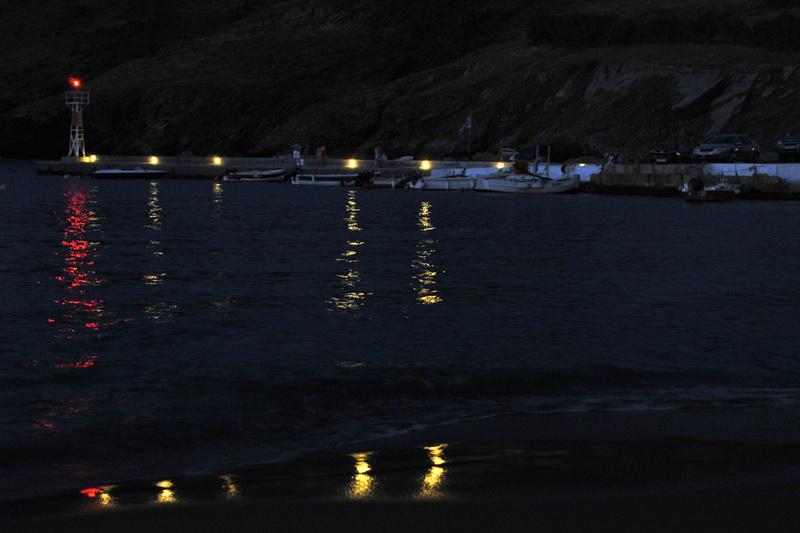 la nuit tombe à Panormos