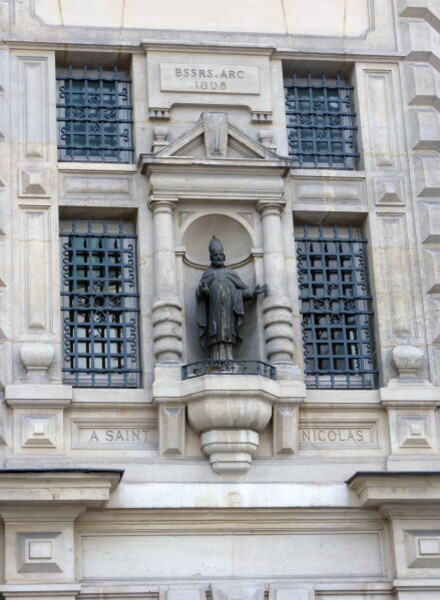 20 - Faubourg Saint-Antoine - Statue de Saint-Nicolas