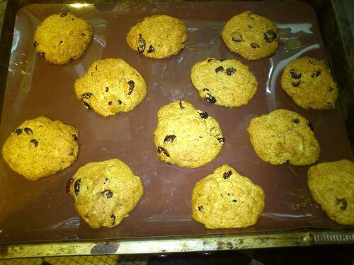 Des petits cookies Vegan bananes/cranberries/amandes pour le goûter de mon loulou