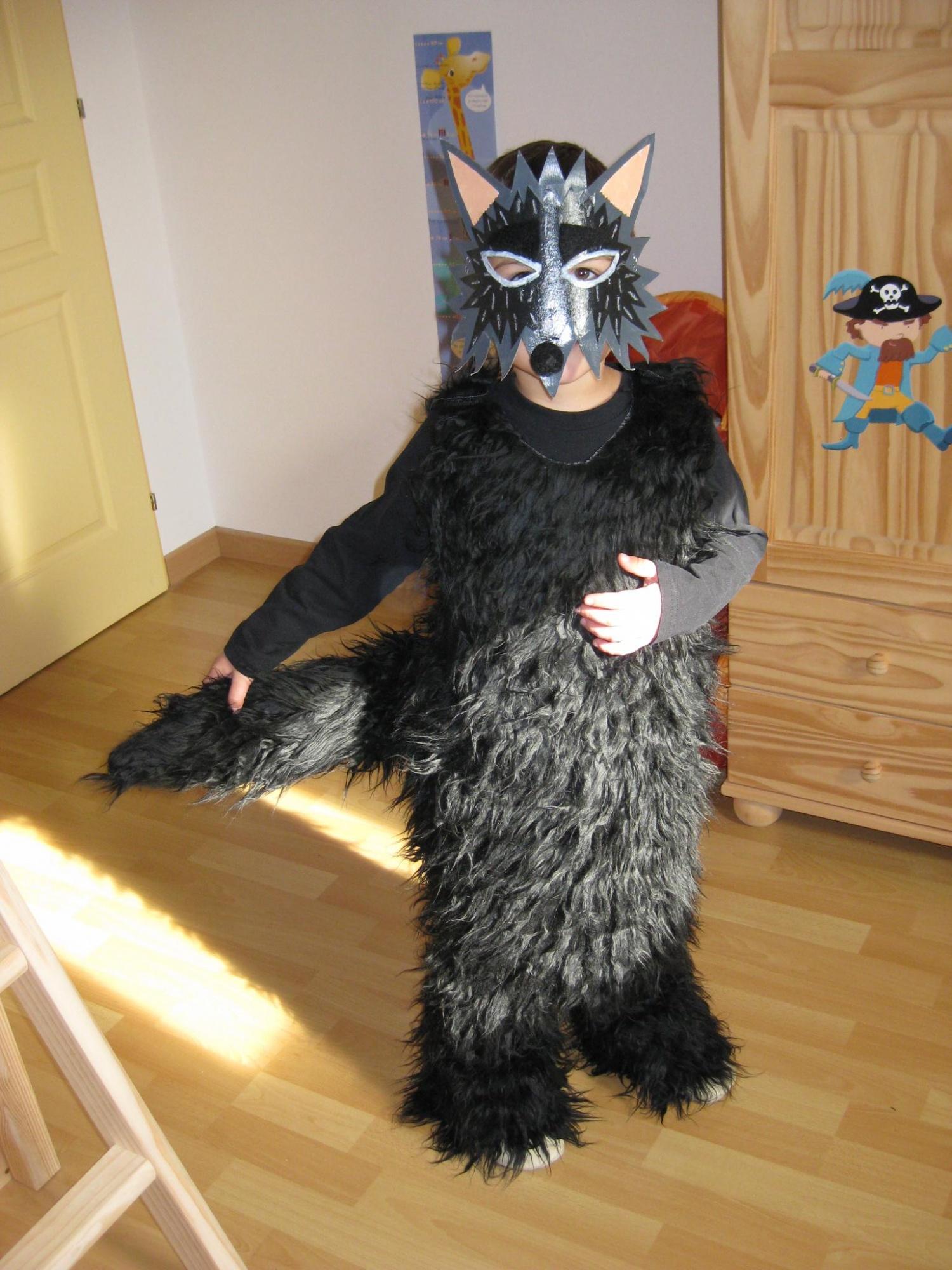 D guisements d 39 halloween lune de toile - Masque de loup a fabriquer ...