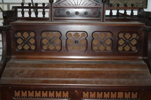 Reed-organ Estey (II)
