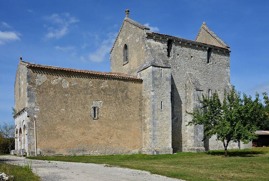 Saint-Aulais-la-Chapelle 16 Église WSW 2013.jpg