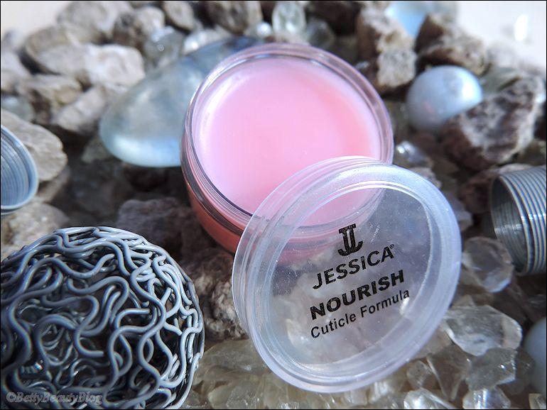 Jessica de bien jolis vernis venus des US