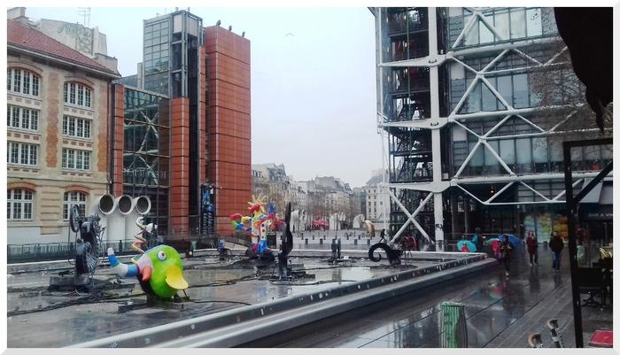 Flâner à Paris un matin sous une fine pluie.