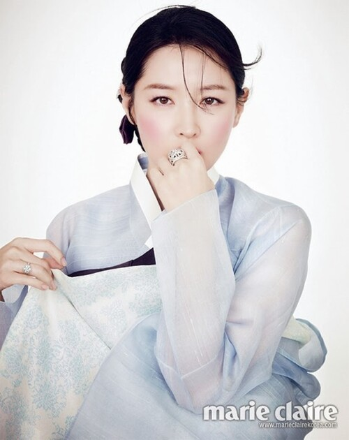 Lee Young Ae pour Marie Claire