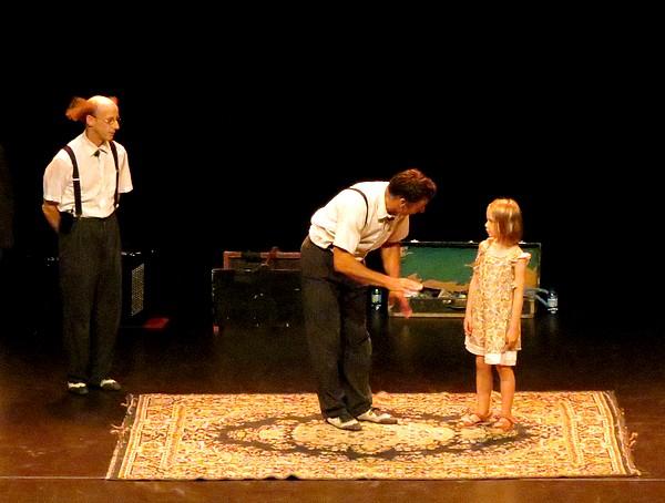 Les frères Panini, un désopilant spectacle offert au public lors du lancement de la Saison Théâtrale....