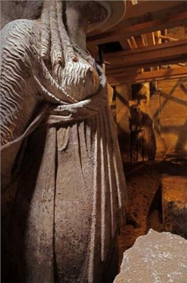 Amphipolis : Karyatides