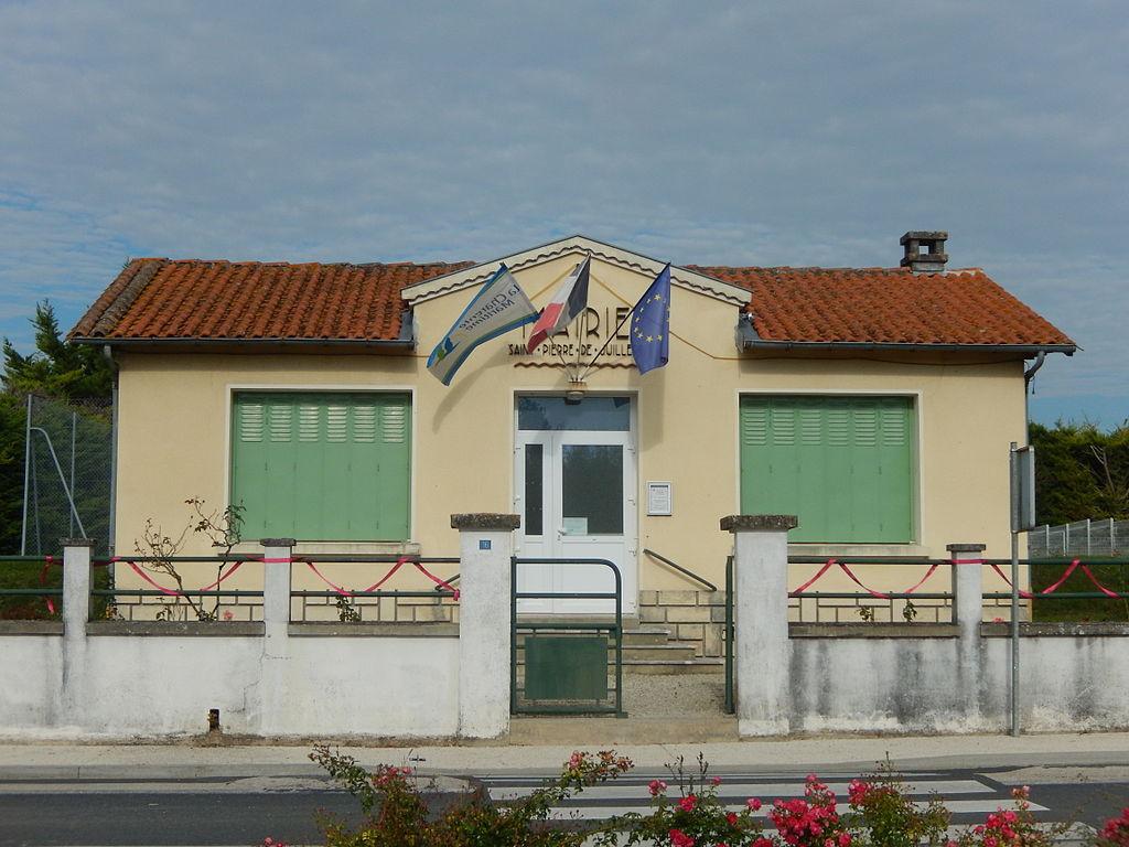 La mairie de Saint-Pierre-de-Juillers.