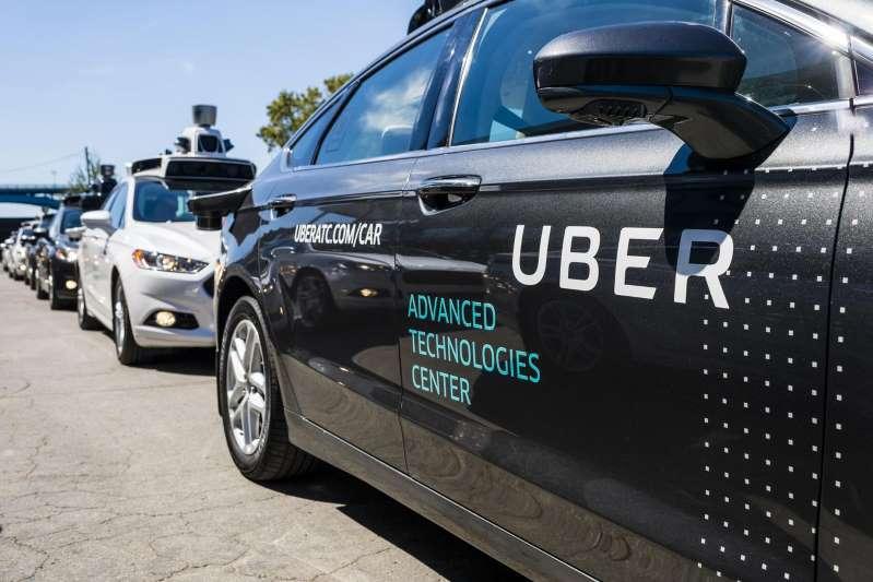 Des prototypes de voitures autonomes Uber le 13 septembre 2016 à Pittsburgh, Pennsylvanie.