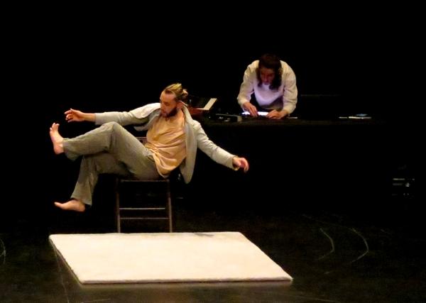 """""""Confidence d'un acrobate"""", sortie de résidence de la Compagnie Manie"""