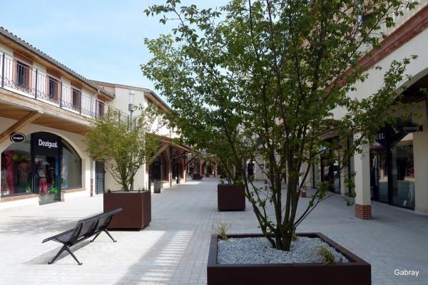 L08---Rue-banc-plantes.JPG
