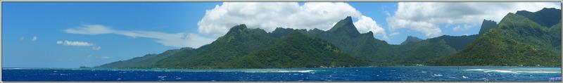 Après moins de 1 h de bateau, arrivée au port de Moorea - Baie de Vai'are - Polynésie française