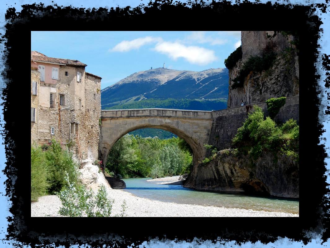 mont Ventoux et pont romain