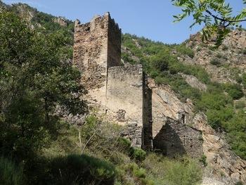 Les ruines du château de la roca d'Anyer