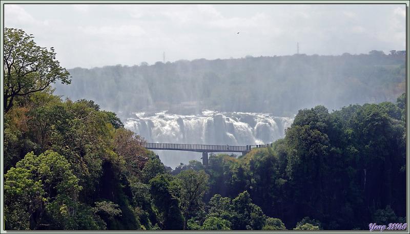 Frontière Zimbabwe / Zambie sur le Pont des Chutes Victoria
