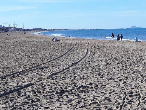 La belle plage de Saïdia et au fond les charafines