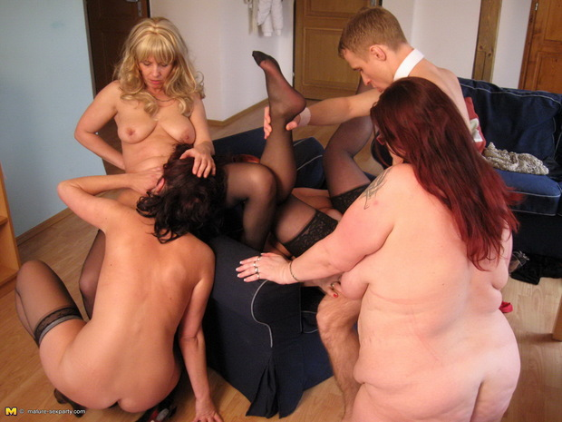 Trio & Groupe Boobs - 4 -