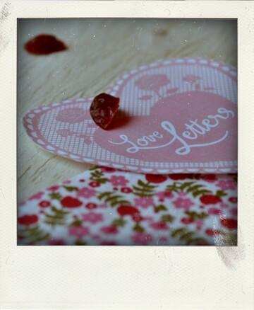 Mini Bundt Cakes pour la St-Valentin aux cranberries, au sirop de vanille et chantilly au mascarpone