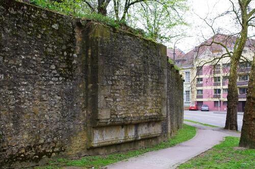 Le relevé de l'enceinte médiévale de Metz (4e phase)