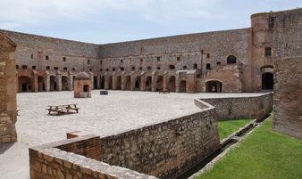 La Forteresse de Salses-le-Chateau - Voyager en photos - blog voyage