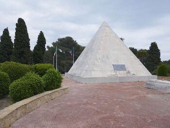 Le tombeau de l'amiral Latouche-Tréville