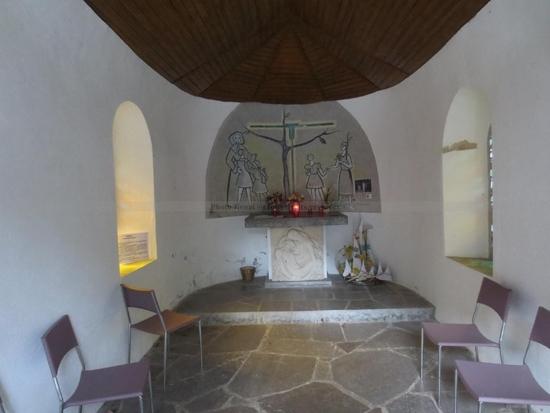 Chapelle e bas du Village de la Salette (2)