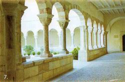 Le Cloître de Saint Génis des Fontaines