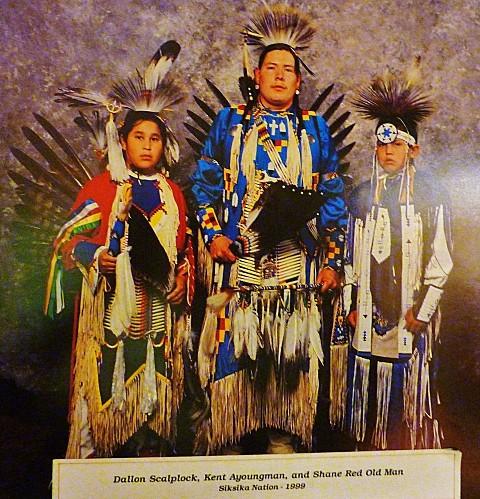 Jour 16 Banff musée Luxton photo famille indienne aujourd'