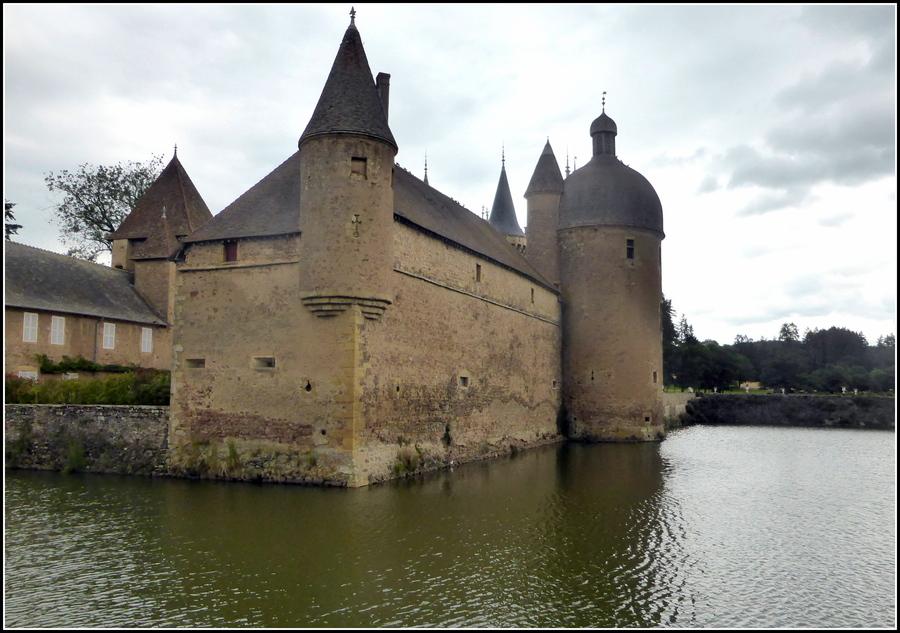 En visite en Saône et Loire, Juin 2020 : Le château de la Clayette ( la Clette )