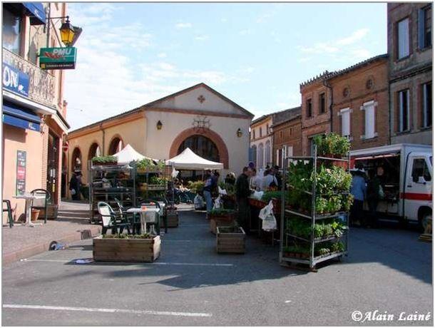 Marché Caraman-Mai08-1