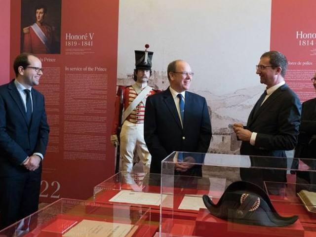 """""""Carabiniers du Prince. Deux siècles d'histoire. 1817-2017"""""""