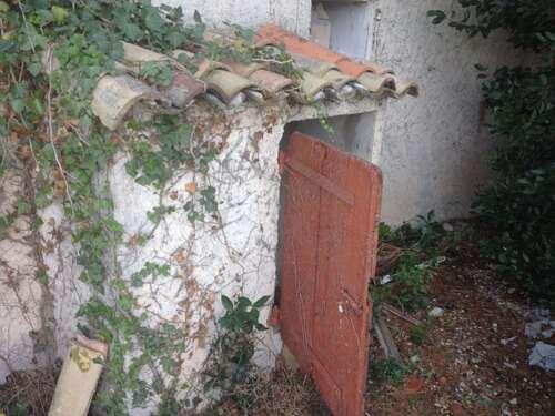 Bout de domaine abandonnée - Reste de squat rum